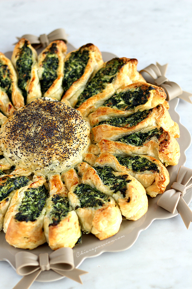 Torta a fiore girasole di pasta sfoglia for Torte salate con pasta sfoglia
