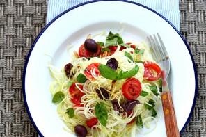 come_fare_gli_spaghetti_di_zucchine_zucchini_noodles