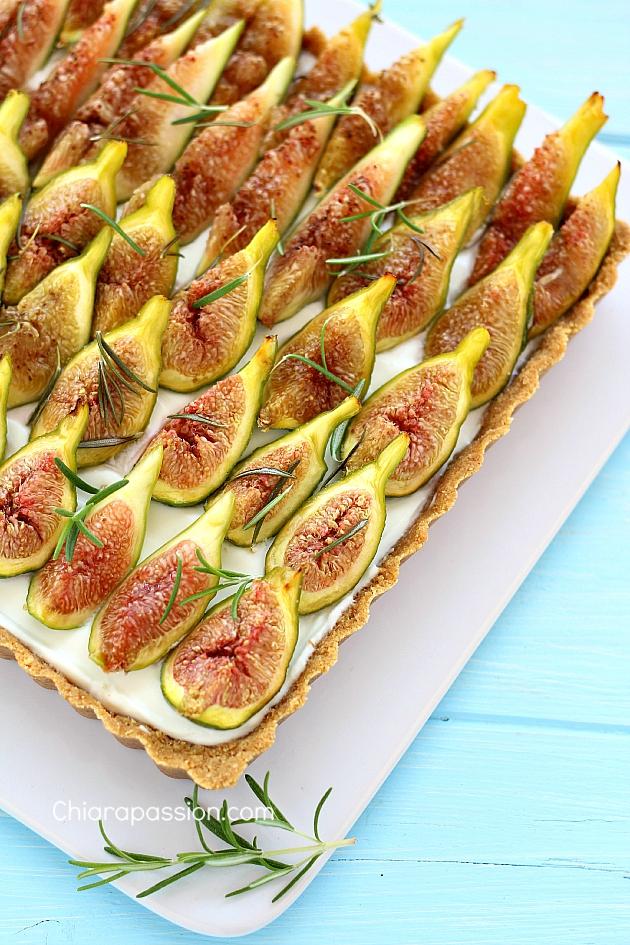crosta_con_i_fichi_allo_yogurt_mascarpone_ricetta_senza_cottura