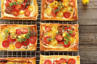 sfogliatine_con_pomodorini_yogurt_tarts_cherry_tomato