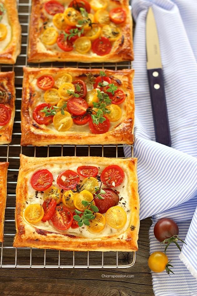 tarts_cherry_tomato_sfogliatine_con_pomodorini_yogurt