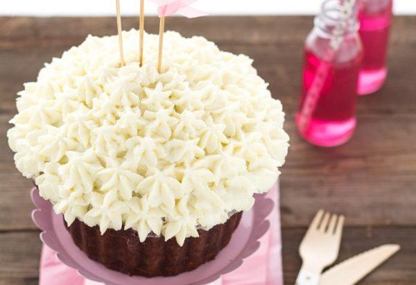 Giant_cupcake_torta_di_compleanno_al_cioccolato