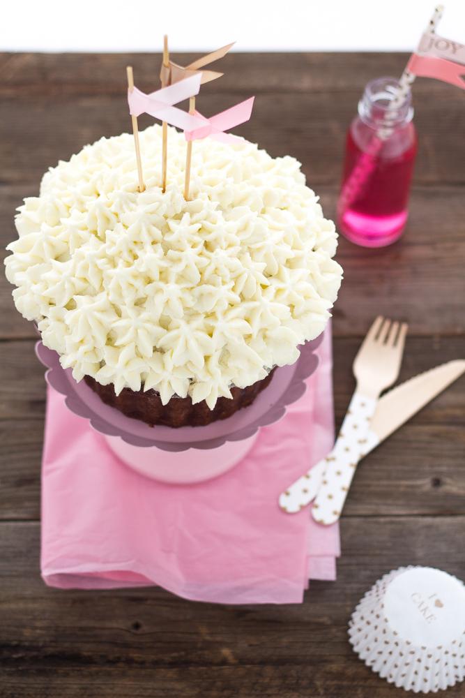 mega_cupcake_al_cioccolato_con_camy_cream