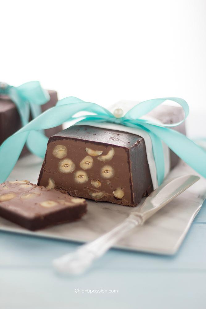 torrone_dei_morti_ricetta_napoletana_cioccolato_nocciole