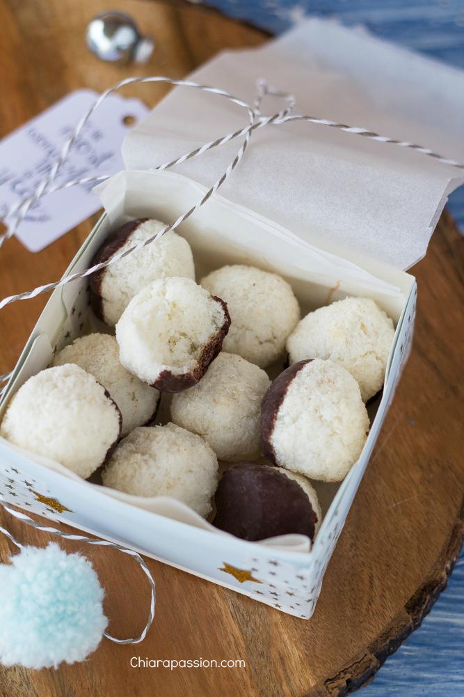 scatolina-con-piattino-di-carta-per-biscotti