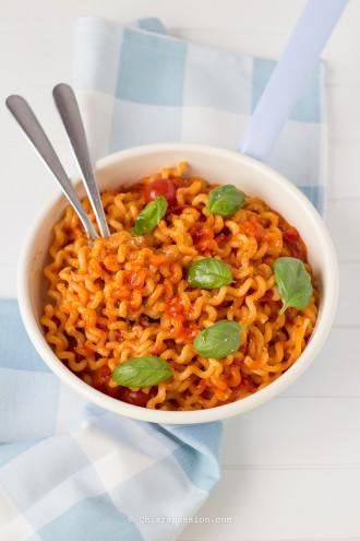 lo-scarpariello-ricetta-partenopea-ricetta-campana-sugo-di-pomodoro-formggio-pasta-di-gragnano-fusilli-lunghi