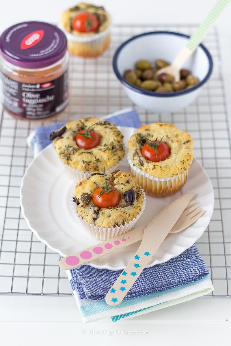 ricetta-perfetta-per-muffin-salati-con-olive-taggiasche-pomodorini-secchi-morbidissimi-soffici