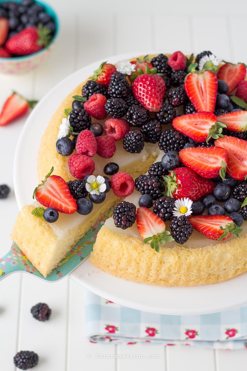 crostata-morbida-di-frutta-con-crema-al-limone-senza-uova