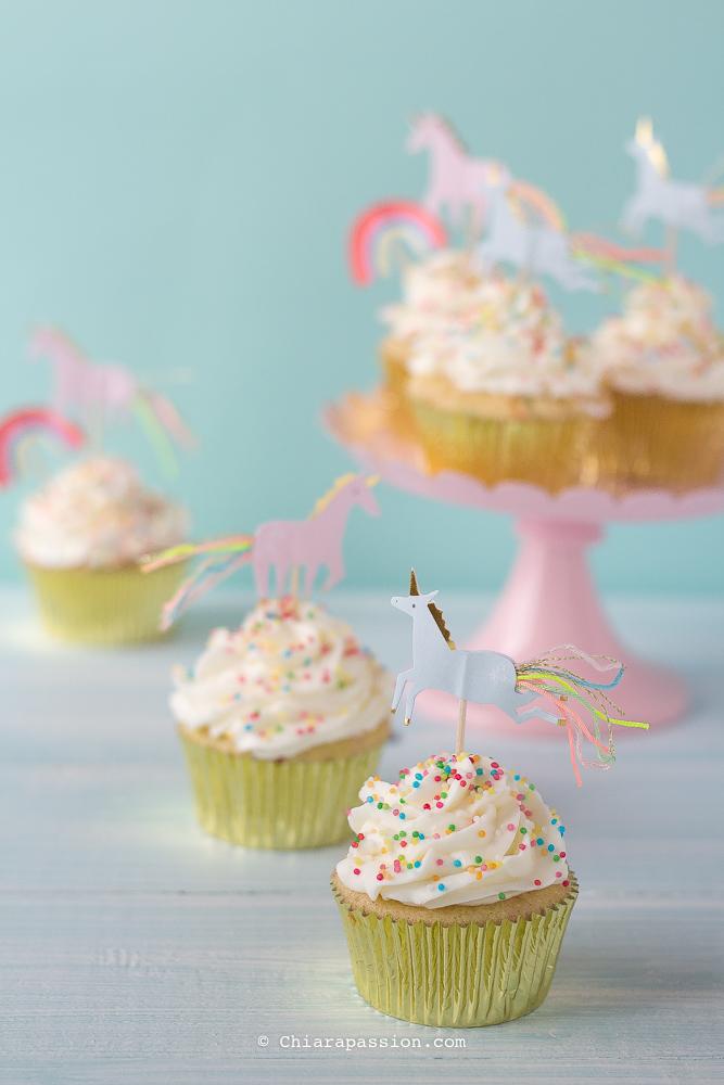 funfetti-cupcakes-sprinkles-confettini-unicorno-crema-al-burro-frosting