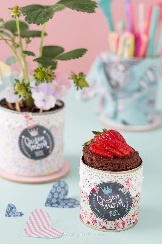 idee-regalo-festa-della-mamma-torta-in-barattolo-come-riciclare-lattine-barattoli-in-latta