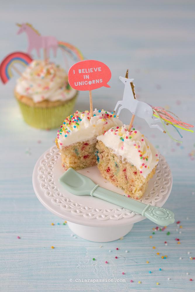interno-funfetti-cupcakes-sprinkles-confettini-unicorno-crema-al-burro