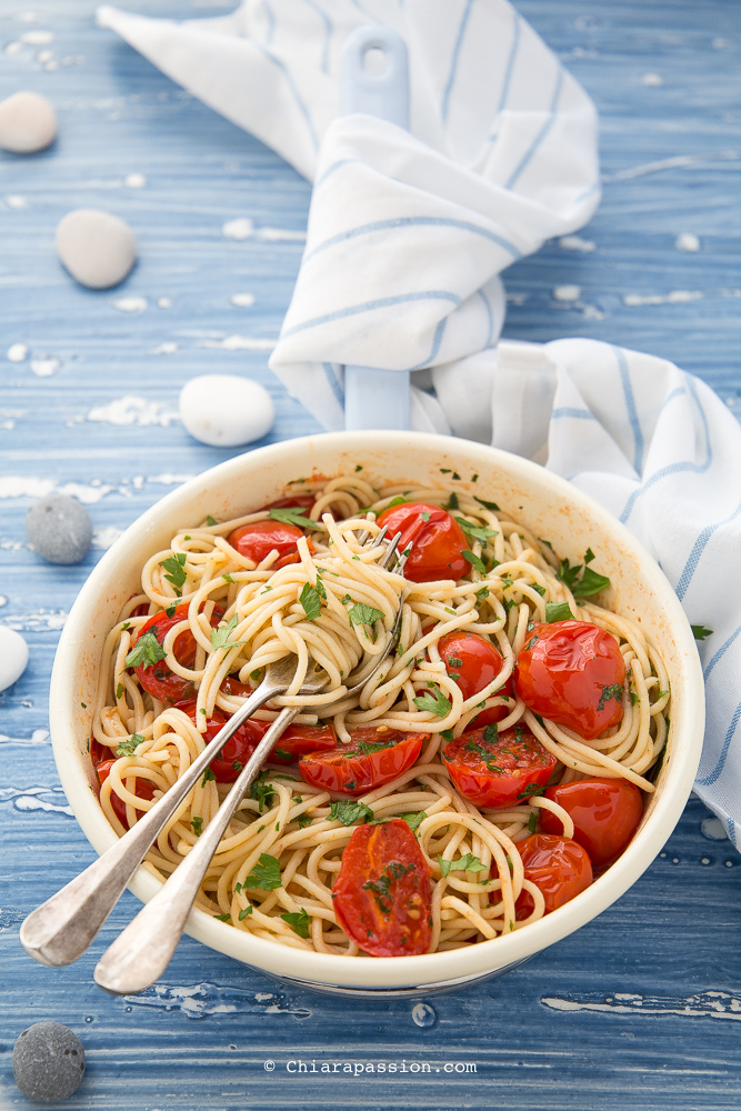 spaghetti-con-vongole-fujute-ricetta-tipica-napoletana