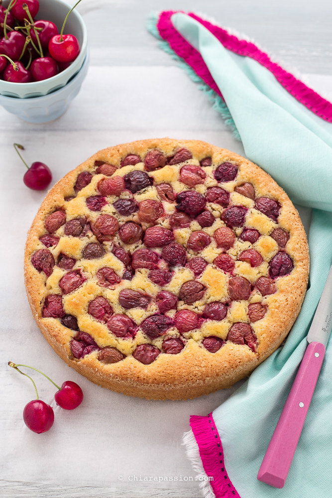 torta-soffice-alle-ciliegie-torta-ciliegie-e-mandorle-ricetta-facile