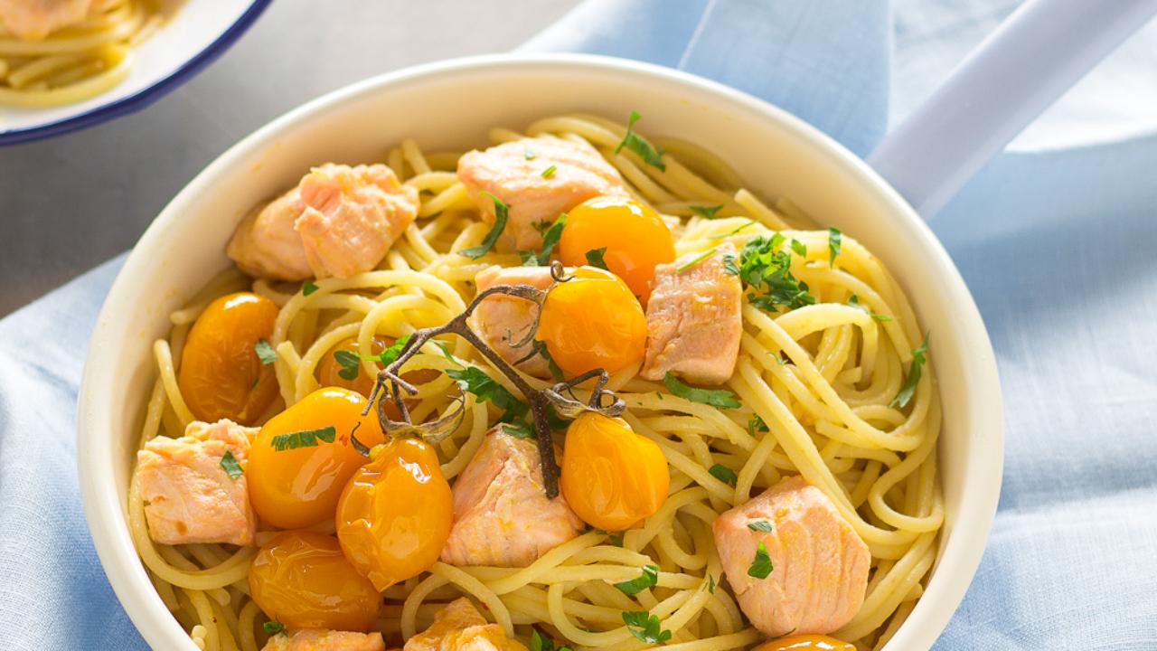 Pasta Con Salmone Fresco E Pomodorini Pronta In 10 Minuti