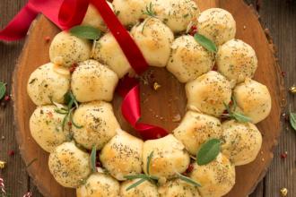 Buffet Natalizio Cookaround : Stuzzichini per aperitivo: girelle pasta sfoglia salatini rustici