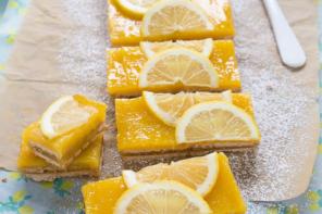 Torta di biscotti e crema al limone