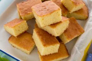 Torta al limone Lemon Drizzle Cake