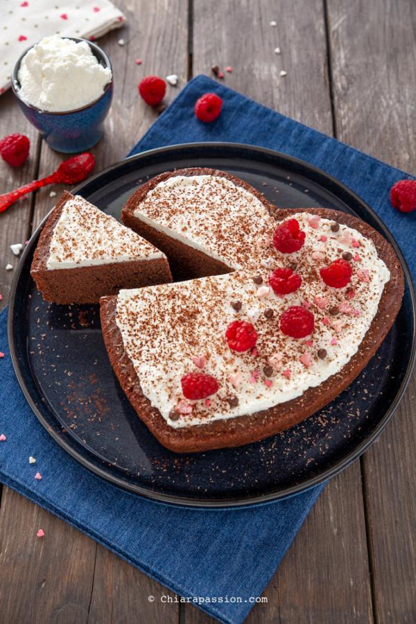 Ricetta Torta Al Cioccolato A Forma Di Cuore.Torta A Cuore Torta Panna E Cioccolato