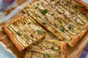 Torta di pasta sfoglia con zucchine